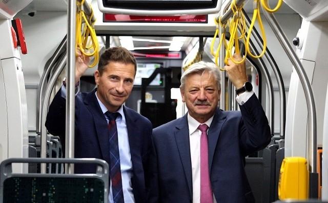 Krzysztof Dostatni przejął obowiązki prezesa zarządu MPK Poznań z rąk Wojciecha Tulibackiego.