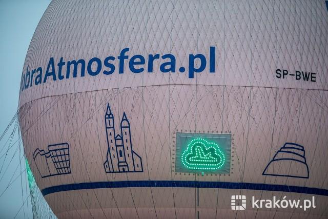 Balon widokowy na Bulwarze Wołyńskim zaczął informować o stanie zanieczyszczenia powietrza.