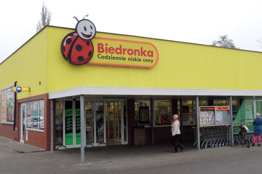 Wyższe pensje dla pracowników Biedronki dotyczą też...