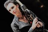 """Lika czyli Angelika Wdowczyk, zadebiutowała wiele lat temu. Teraz wraca do show businessu z singlami """"Toga"""" i """"Lekko tak"""" [Wywiad wideo]"""