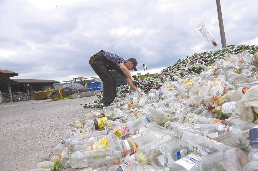 Na kędzierzyńskim wysypisku powoli zaczyna już brakować miejsca do składowania śmieci. (fot. Daniel Polak)