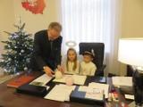 Chrzanów. Aniołki z przedszkola z życzeniami u burmistrza