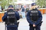 Ile zarabia policjant? Lista płac w policji 2021 czyli zarobki policjantów wg stanowisk [stawki, wynagrodzenia]