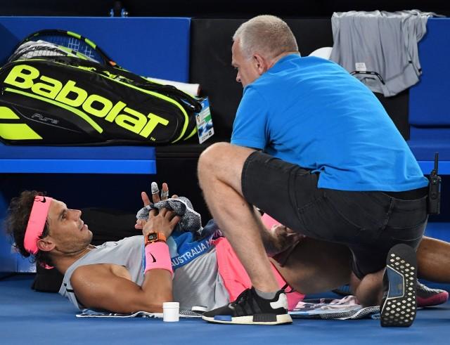Rafael Nadal skorzystał z pomocy lekarza, ostatecznie to niewiele pomogło