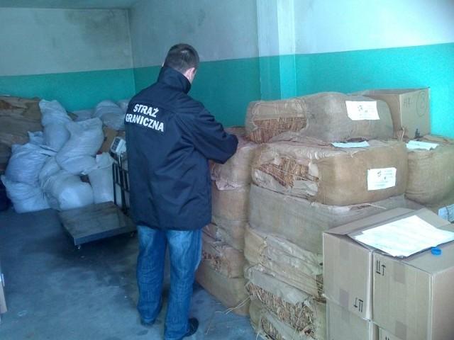 To kolejny w tym roku towar bez polskch znaków akcyzy , skonfiskowany przez funkcjonariuszy Straży Granicznej.