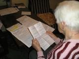 Dała się namówić pośrednikowi. Miała być tylko opiekunką kredytu. Ogromna pożyczka dla emerytki