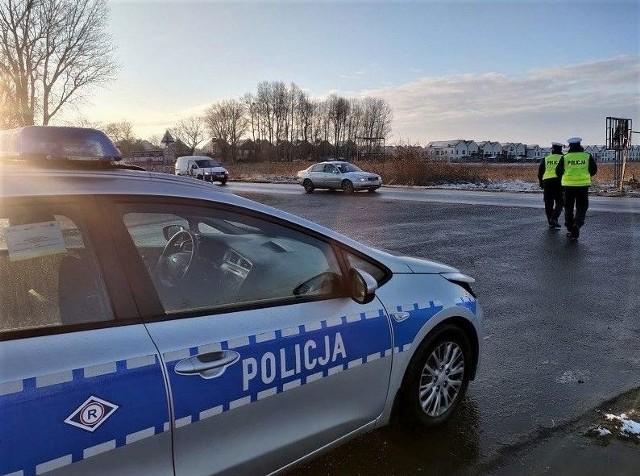 Policjanci z Góry zatrzymali samochód, który prowadził 9 letni chłopiec.