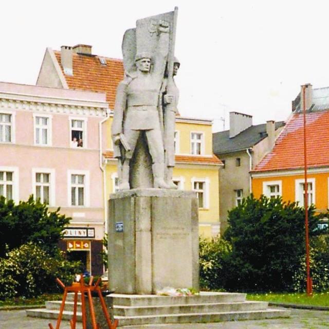 Pomnik przyjaźni polsko-radzieckiej stał niegdyś w centrum miasta. Wkrótce będzie go można zobaczyć w muzeum w Rudzie Śl.