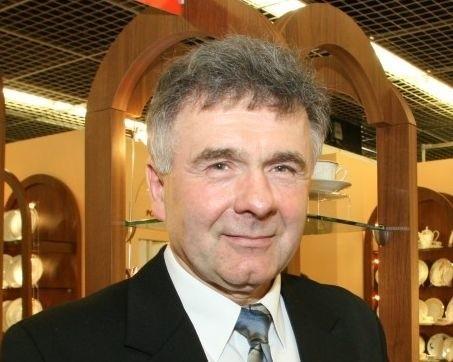 Marian Kwiecień ma nie tylko akcje Ireny. Kontroluje także wszystkich największych polskich producentów porcelany.