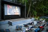 Kino i muzyka w Sopocie w ciepły czerwcowy wieczór? Nie ma nic lepszego niż Kinolasy