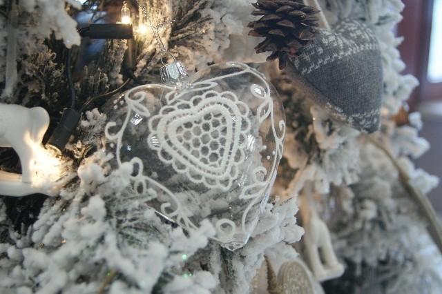 Choinka w stylu glamourCzyż nie tak wyglądałaby choinka królowej śniegu?