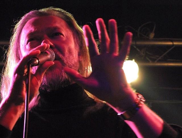 Marek Bałata, sławny wokalista jazzowy o fenomenalnym głosie, będzie gościem niedzielnego koncertu w Spodkach