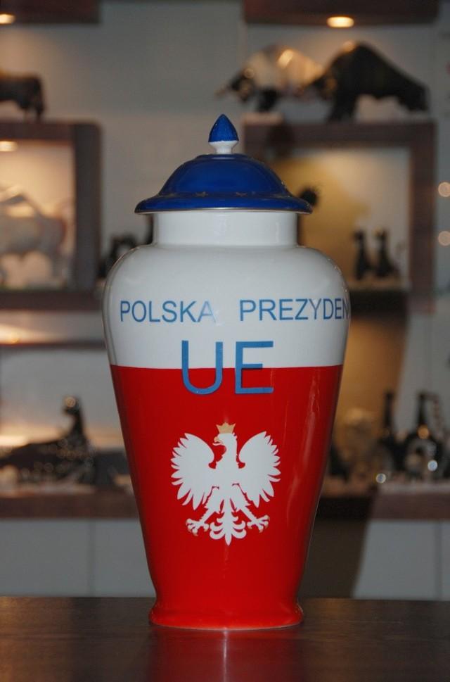 Porcelanowy Puchar Prezydencja Polski.