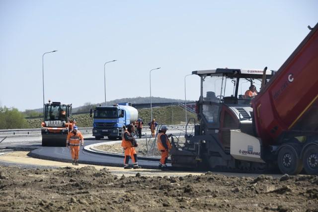Budowa dodatkowego zjazdu z A4 w Małopolsce zmierza do finału. Inwestycja za 48 mln zł zakończy się w połowie tego roku