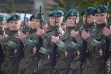 Musztra paradna pododdziału kobiet 15. Sieradzkiej Brygady Wsparcia Dowodzenia ZDJĘCIA
