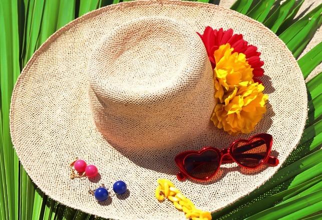 Chustki, czapki i kapelusze, czyli najmodniejsze akcesoria tego lata