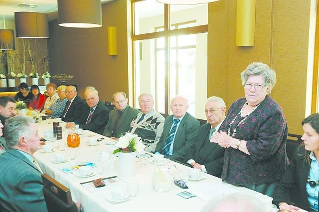 Renata Zajączkowska, prezes zarządu Towarzystwa Dobroczynnego Niemców na Śląsku podsumowała dorobek minionego 15-lecia.