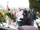 Hokejowy krążek trafił do grobu wybitnego ełkaesiaka - Adama Kopczyńskiego