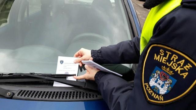Strażnicy ostrzegają przed zapowiadanymi pracami drogowymi i proszą o przeparkowanie