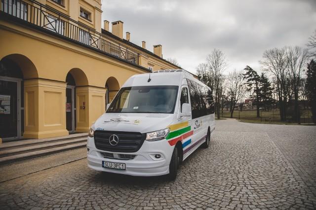 """Zespół """"Śląsk"""" ma nowego minibusa. To kolejny logistyczny zakup w ostatnim czasie"""