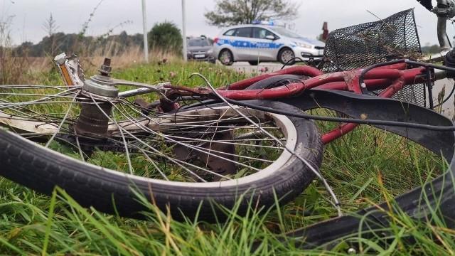 Śmiertelny wypadek w Trzepnicy (pow. piotrkowski). Nie żyją dwie rowerzystki - kobiety zostały potrącone przez kierującego Audi A6