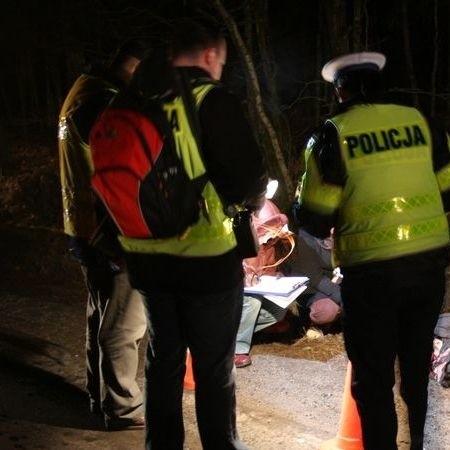 Przyczyny i okoliczności wypadku ustalają hajnowscy policjanci.
