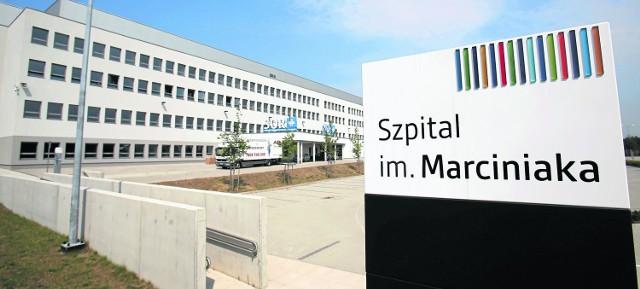 Nową sieć kanalizacyjną i wodociągową doprowadzono także do budynków nowego Szpitala Wojewódzkiego na Stabłowicach