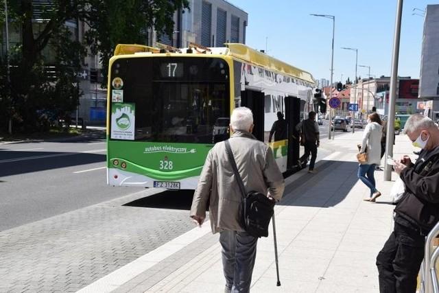 Miejski Zakład Komunikacji w Zielonej Górze w okresie świątecznym wprowadza zmiany w rozkładzie jazdy autobusów.