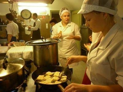 Kuchnia pałacu w Wiechlicach jest dziś... bukowińska.