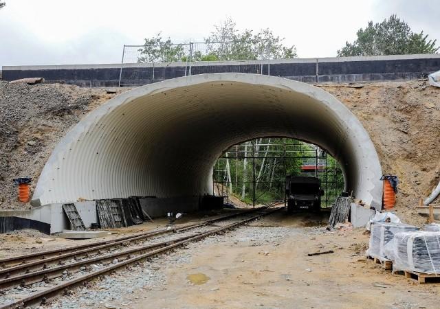 Zobacz, jak idą prace przy przebudowie dróg na Metalchemie w Opolu.