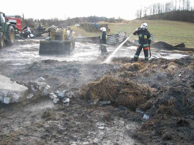 W Talusach k. Elku splonąl budynek gospodarczy podpalony przez pijanego 22-latka