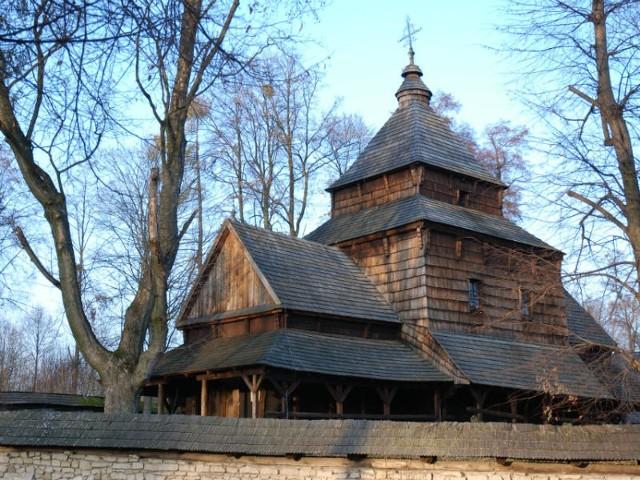 Cerkiew pw. św. Paraskewy w Radrużu to najstarsza i najlepiej zachowana cerkiew drewniana w Polsce. Wzniesiono ją ok. 1583 r.