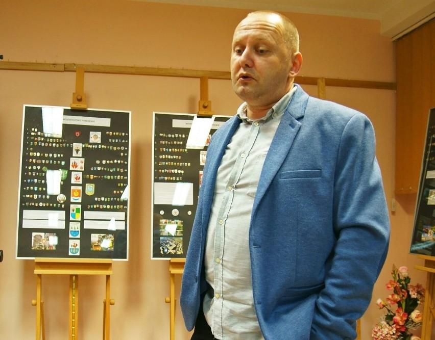 Dziennikarz Piotr Furtak opowie o swojej kolekcji przypinek