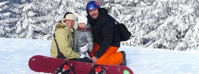 Justyna Bergmann ze swoim partnerem, Marcinem i 15-miesięczną córeczką Polą na zimowym urlopie