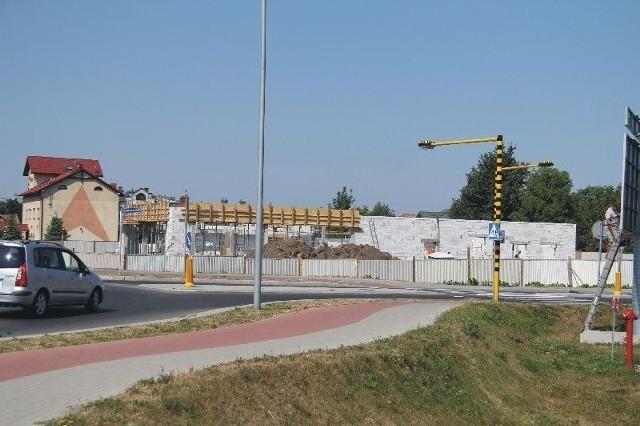 Ściany pierwszego w Przemyślu McDonalda prawie gotowe Szybko rośnie pierwszy w Przemyślu lokal sieci Mc Donald's.