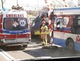 Wypadek w Zabrzu. Autobus uderzył w samochód techniczny na DK 88. Są ranni. Droga została częściowo zablokowana