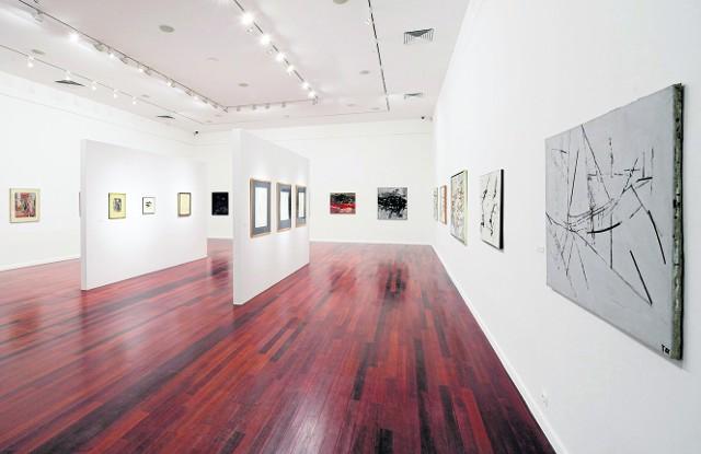 Wystawa prezentowana jest w obu salach Atlasu Sztuki