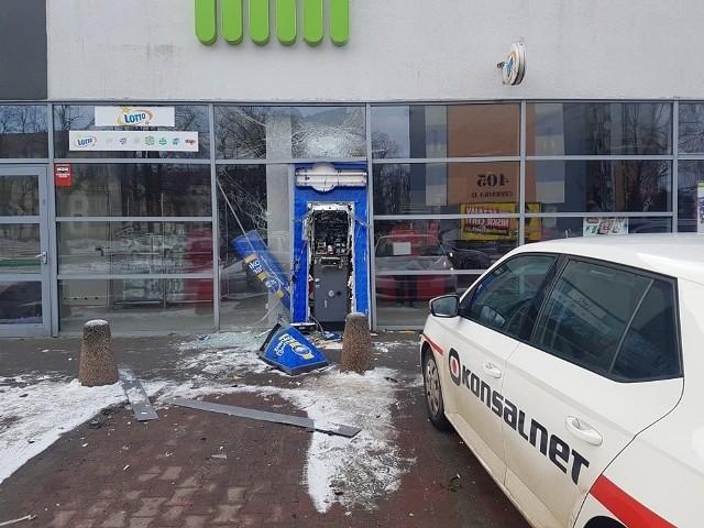 Bandyci coraz częściej wysadzają bankomaty w Łódzkiem