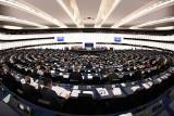 """Bruksela: Polscy prawnicy i sędziwie krytykowali reformę sądownictwa na forum Parlamentu Europejskiego. Rozmawiano m. in. o """"białej księdze"""""""