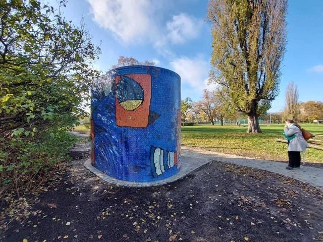 Nowy szalet w Parku Skowronim