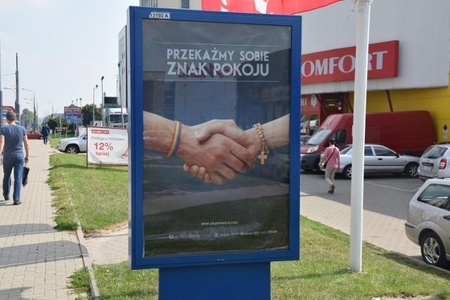 Jeden z plakatów w Lublinie znajdziemy przy ul. Zana.
