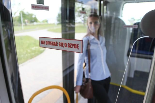 Wrocławianie powinni się nauczyć autobusowego savoir-vivre'u. Jak mówią kierowcy, z autobusu też należy umieć prawidłowo korzystać