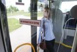 Nowe autobusy nie mogą odjechać z przystanku. Bo ludzie blokują drzwi