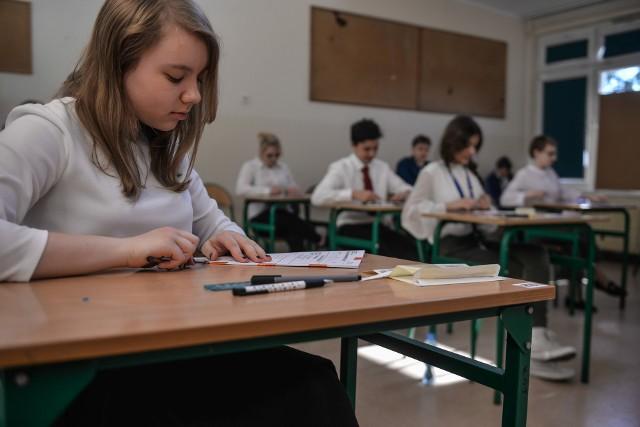 Tegoroczni ósmoklasiści zastanawiają się, czy ich egzamin odbędzie się w terminie