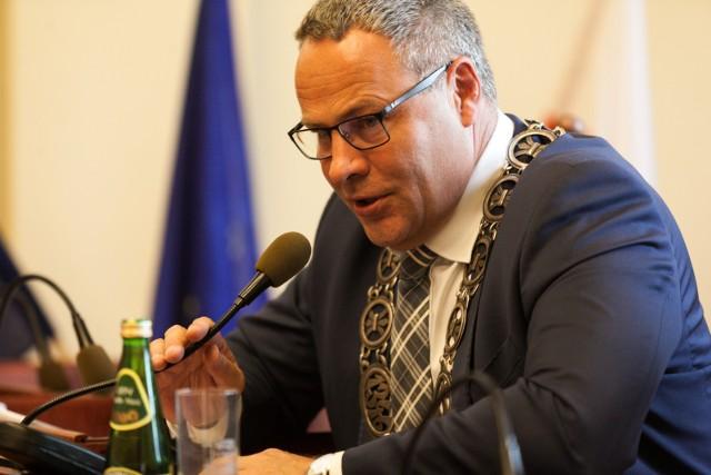 - Ustawa o metropolii śląskiej może nam pokrzyżować szyki - mówi prezydent Rafał Bruski.