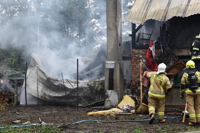 Pożar budynku mieszkalnego wybuchł w czwartek, 29 kwietnia, kilkanaście minut po godzinie 11.