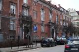 W Domu Tramwajarza było kino Amarant, mieszkanie Hallera, jest siedziba Rady Osiedla i orkiestry MPK. Ale zabytek jest o krok od ruiny