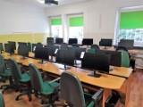 Nowy sprzęt komputerowy trafił do pięciu chełmskich szkół. Zobacz zdjęcia