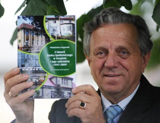 - Chciałem pokazać historię banku, ale poprzez ludzi, którzy w nim pracowali – przyznaje autor książki Włodzimierz Rogowski