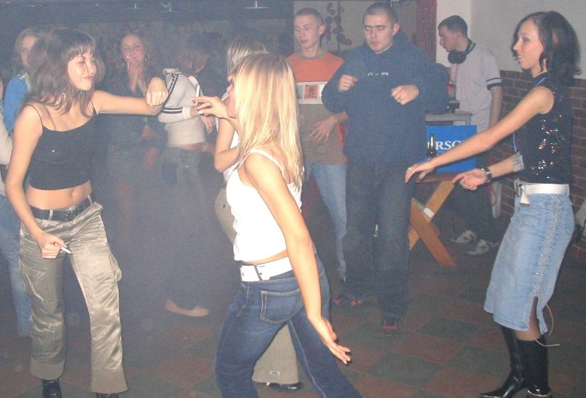 W pubie Snoffa grali DJ IzI i DJ Hamer. Zabawa trwała do 4...